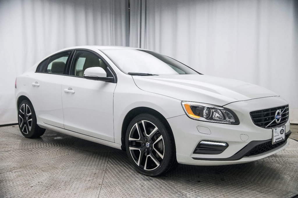 Pre-Owned 2018 Volvo S60 T5 AWD Dynamic